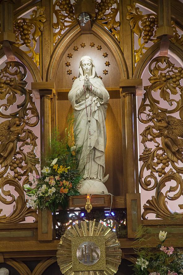 Сучасний вигляд скульптури Приснодіви Марії в інтер'єрі кафедрального собору