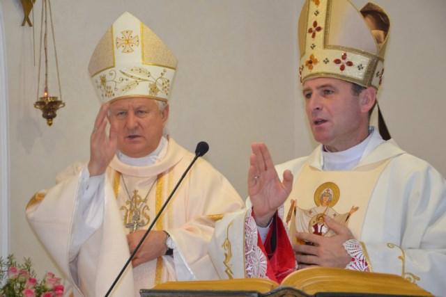 Єпископи Станіслав Широкорадюк та Павло Гончарук на Св. Месі в монастирі сестер-кармеліток